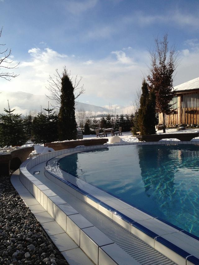 La piscina fredda per un bagno gelido dopo l'Aufguss